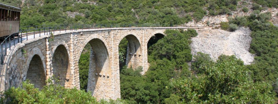 Pilion strromtrein moutzouris stenen brug header.jpg