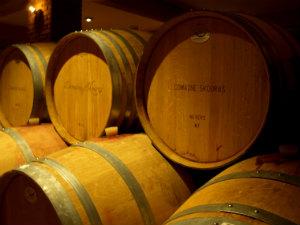Griekse wijnen en wijnhuizen wijnkelder