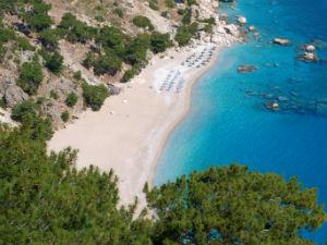 Apella beach op Karpathos uitzicht