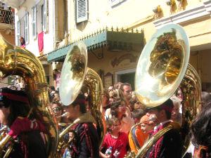 Orthodox Pasen vieren in Griekenland op Corfu fanfare
