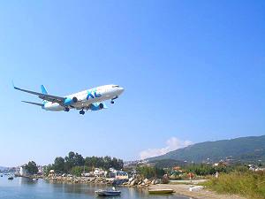 Skiathos Airport vliegtuig landen