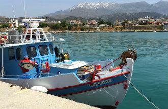 Kokkinos Pirgos haven op Kreta Griekenland