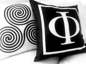 Thiki Greece kussens minimalistisch ontwerp