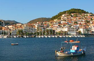 Vliegveld Lesbos vissersboot