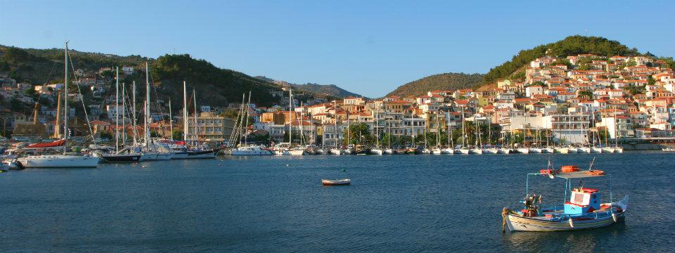 Vliegveld Lesbos vissersboot header.jpg