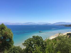 Kalamaki beach bij Agios Spyridon op Corfu