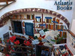 Griekenland heeft beste boekwinkel ter wereld in Oia Santorini