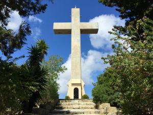 Filerimos op Rhodos het grote stenen kruis