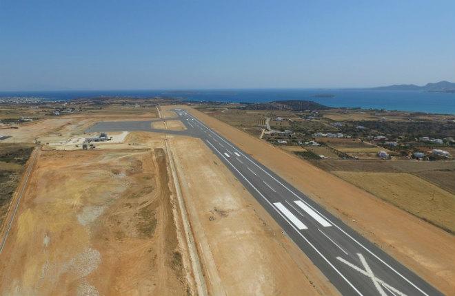 Vliegveld Paros voor vakantie