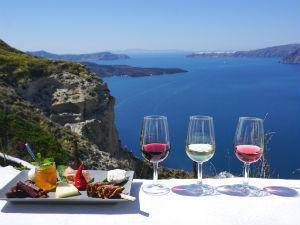 Wijn uit Santorini Venetsanos winery