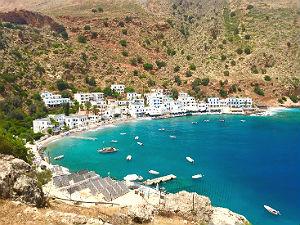 6 pitoreske kustplaatsjes in Griekenland Loutro