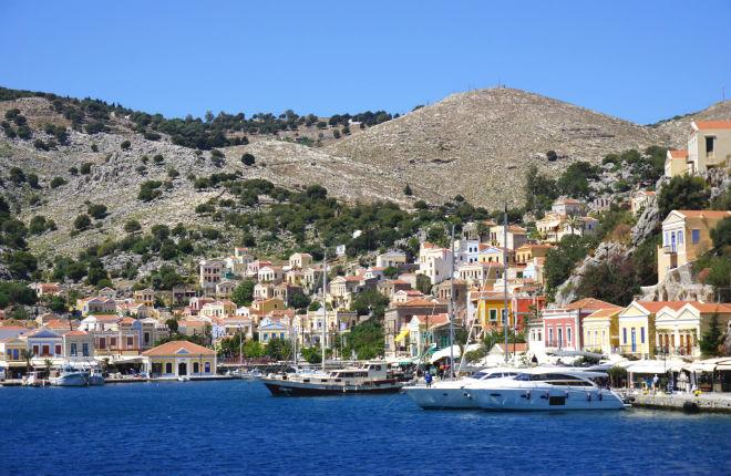 6 pittoreske kustplaatsjes in Griekenland