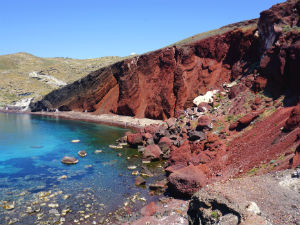 Red beach op Santorini