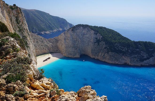 Navagio beach op Zakynthos weer toegankelijk voor toeristen