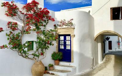 Kythira huis met bougainvillea in Chora