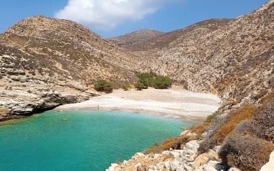 Livadaki beach op Folegandros