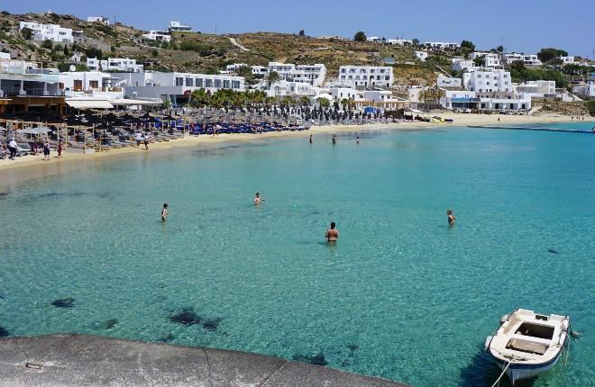 Platis Gialos beach op Mykonos