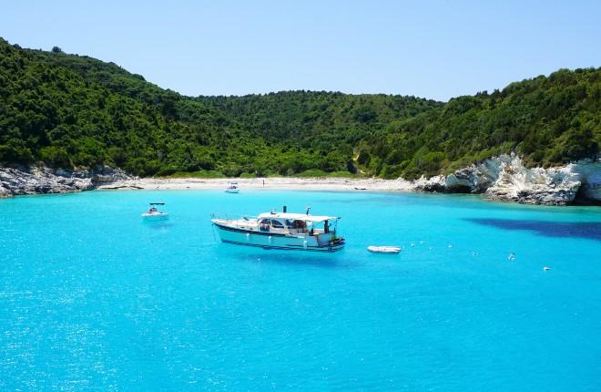 7 Griekse eilanden met minste inwoners