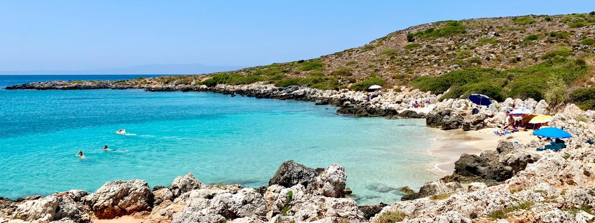 Maherida beach kreta header.jpg
