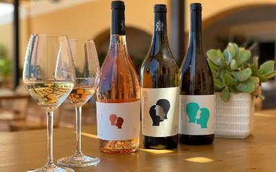 Lekkere producten uit Kos. Wijn van Akrani